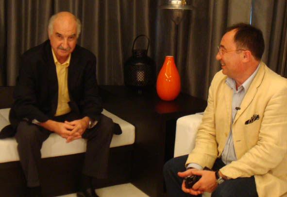 Marc Villard répond aux questions de Daniel Dubois sur le tableau de ASIA TV. Avec franchise il explique de quelle […]